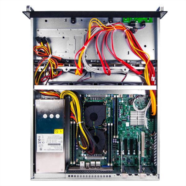 сервер в корпусе